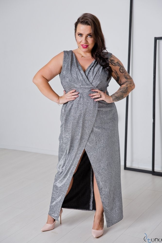 Srebrna Sukienka FINESYA Plus Size